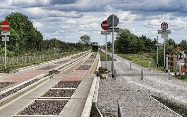 The Cambridgeshire Guided busway. Photo - Sean Hickin